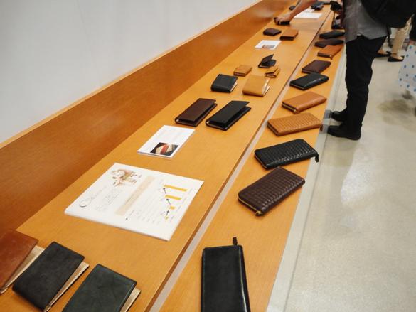 日本の職人による革製品
